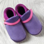 FINS DE SERIES - Chaussons Pololo  en cuir naturel pour toute la famille/Chausson Pololo CLASSIC violet - rose fuchsia (18 à 33)