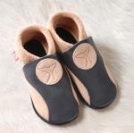 FINS DE SERIES - Chaussons Pololo  en cuir naturel pour toute la famille/Chausson Pololo ORCA sable-noir (42/43 et 44/45)