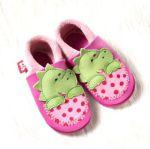 POLOLO SOFT - Chaussons souples en cuir naturel de tannage végétal pour bébés et bambins (16 à 27)/Chausson Pololo DINO pink-rosé (18 à 27)