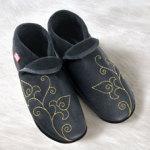 FINS DE SERIES - Chaussons Pololo  en cuir naturel pour toute la famille/Chausson Pololo GOLDEN FLOWER (36 à 45)