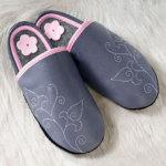 FINS DE SERIES - Chaussons Pololo  en cuir naturel pour toute la famille/PANTOLO gris (34 à 45)