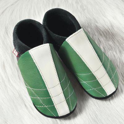 FINS DE SERIES - Chaussons Pololo  en cuir naturel pour toute la famille Chausson Pololo SOCCER VERT (24 à 45)