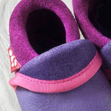FINS DE SERIES - Chaussons Pololo  en cuir naturel pour toute la famille Chausson Pololo CLASSIC violet - rose fuchsia (18 à 33)