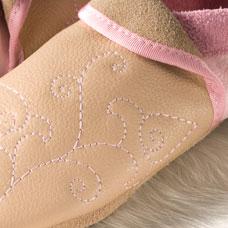 Chaussons en cuir souples, chaussettes, guêtres, jambières Chausson Pololo FLOWER rose-nature 44/45